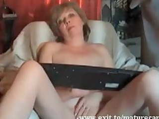 granny magret fingering and agonorgasmos at home