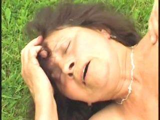 granny fucks the pool cleaner - shaggy - outdoor