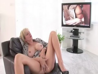stockings mature wench in heels