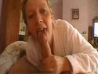 sexy d like to fuck gives hawt tonguejob