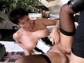 good shorthaired granny getting annaly pumped