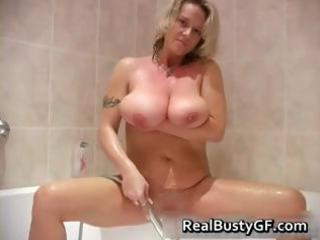 big jiggy love muffins milf showering part4