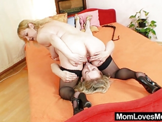 dilettante moms fucking each other with a dildo