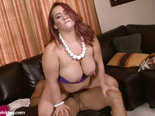 non-professional fat wife bonks for first time