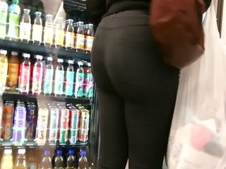 candid coworker large booty of nyc