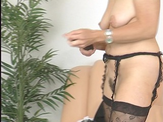 d like to fuck plays with her toys