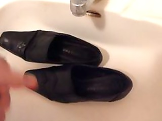 cumming on wifes high heel shoes