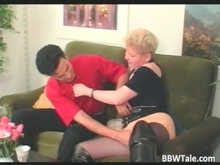 bulky blonde d like to fuck in lengthy leather