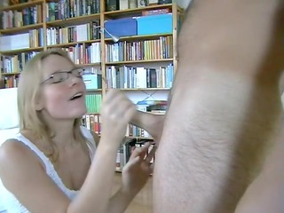 blond anne makes aged sex tape