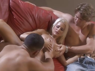 sexy golden-haired american milf in trio and a