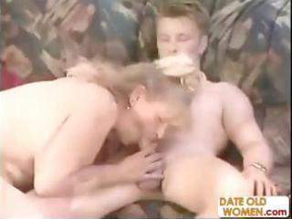 bulky german mature goes down on his pecker and