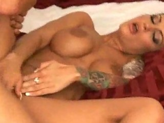 tattooed d like to fuck with large tits can