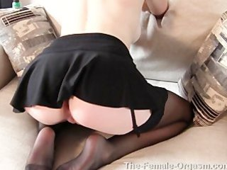 real mother i tegan jane orgasms, hairy, shaved,