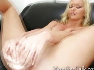 beautiful blonde d like to fuck with big haunches