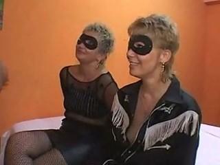 mother and daughter fuckfest orgia con mamma e