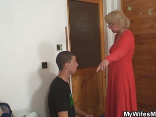 wife finds him fucking her old mamma and acquires