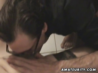 amateur d like to fuck sucks and bonks at home