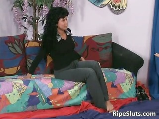 latin babe bitch squirts while lad eats her part11