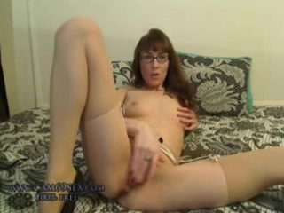real amateur mother i wife masturbating in