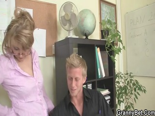 mature office boss makes him fuck her hard