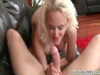hawt blond d like to fuck goes mad riding