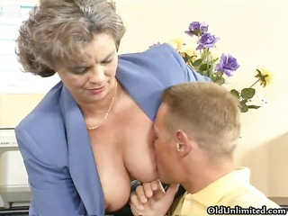 impure old woman getting her curly cunt part3