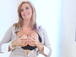 breasty office d like to fuck receives off when
