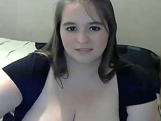 bulky milf with large breast masturbating on web