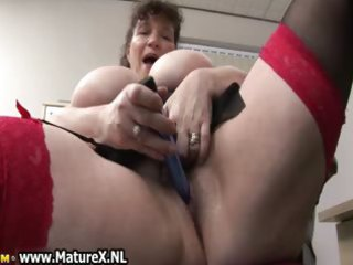 horny fat mature lady copulates
